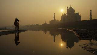 Ινδία: Το Ταζ Μαχάλ από σήμερα δέχεται ξανά επισκέπτες - Ήταν κλειστό για τρεις μήνες