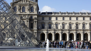 Άνοιξε και πάλι το Μουσείο του Λούβρου έπειτα από τρεις μήνες καραντίνας