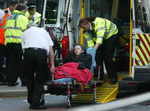 2005, Λονδίνο. Η βρετανική πρωτεύουσα συγκλονίζεται από σειρά συντονισμένων εκρήξεων σε σταθμούς του μετρο και λεωφορεία.