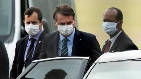 Βραζιλία: Με συμπτώματα κορωνοϊού ο Μπολσονάρου ενώ αυξάνεται ο αριθμός των νεκρών
