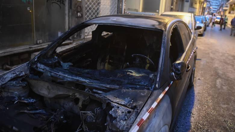 Εμπρησμοί οχημάτων σε Αργυρούπολη και Ζωγράφου