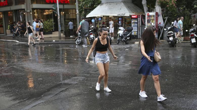 Καιρός: Βελτιωμένος με λίγες νεφώσεις σήμερα - Πού υπάρχει πιθανότητα βροχών