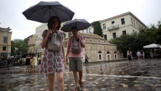 Καιρός: Βελτιωμένος με λίγες νεφώσεις την Τετάρτη - Πού υπάρχει πιθανότητα βροχών
