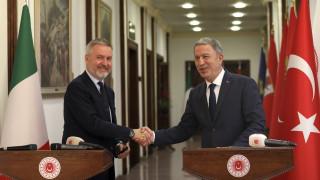 Ιταλός υπουργός Άμυνας: Δεν υπάρχει στρατιωτική λύση για την λιβυκή κρίση