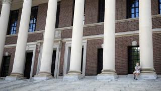Η Αμερική διώχνει τους φοιτητές της