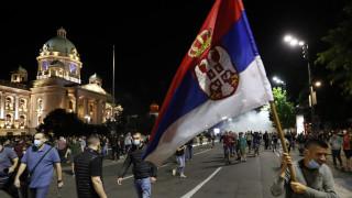 Σερβία: Ο Βούτσιτς πήρε πίσω την απόφαση για lockdown εν μέσω σφοδρών αντιδράσεων