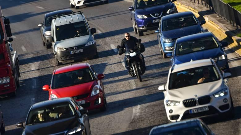 Τέλη ταξινόμησης: Πόσο φθηναίνουν τα υβριδικά αυτοκίνητα