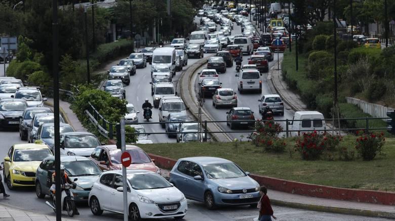Κίνηση στους δρόμους της Αθήνας - Πού εντοπίζονται τα προβλήματα