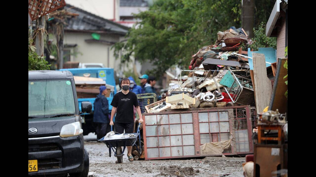 https://cdn.cnngreece.gr/media/news/2020/07/09/226555/photos/snapshot/japan_floods-11.jpg