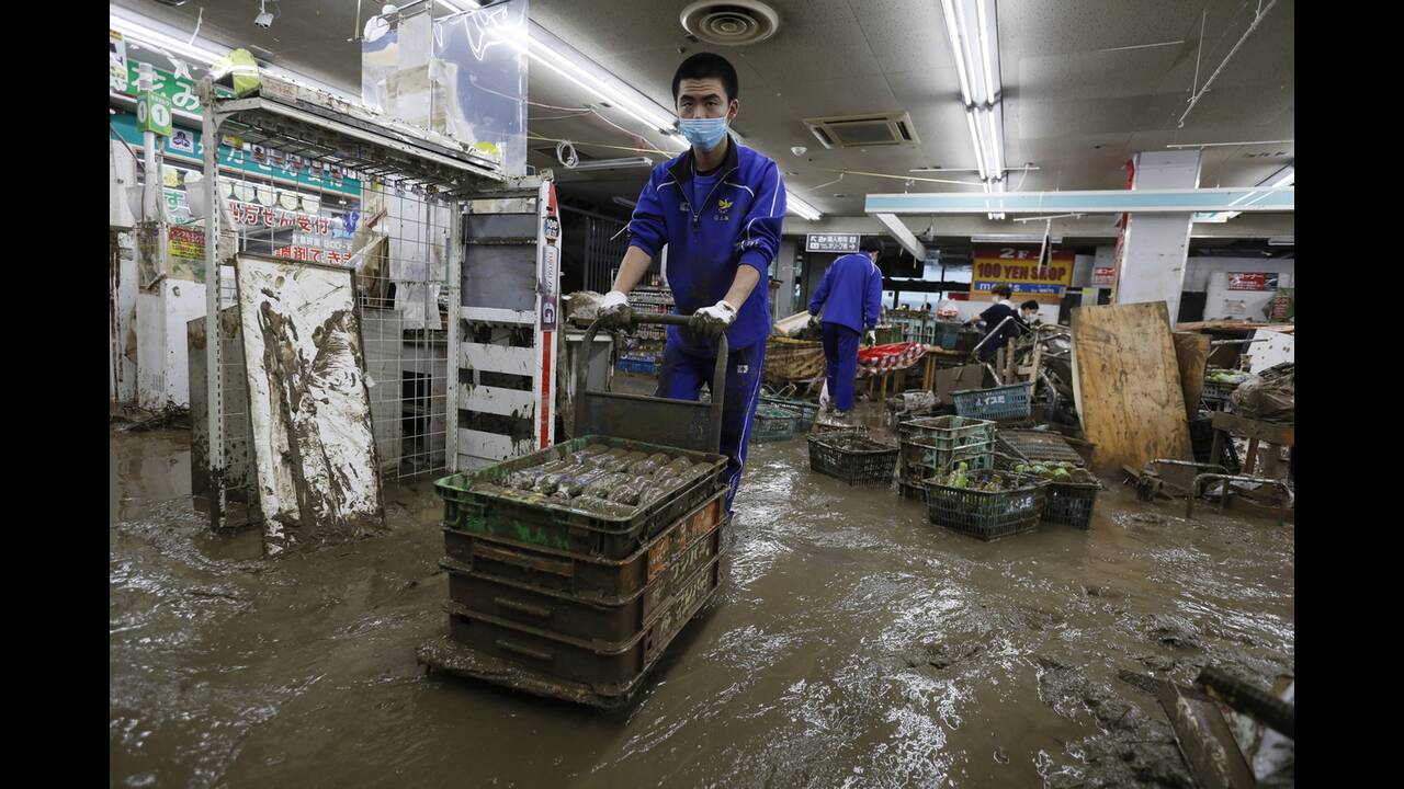 https://cdn.cnngreece.gr/media/news/2020/07/09/226555/photos/snapshot/japan_floods-13.jpg