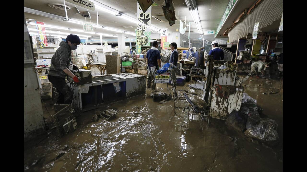 https://cdn.cnngreece.gr/media/news/2020/07/09/226555/photos/snapshot/japan_floods-14.jpg