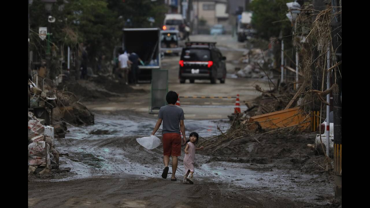 https://cdn.cnngreece.gr/media/news/2020/07/09/226555/photos/snapshot/japan_floods-6.jpg