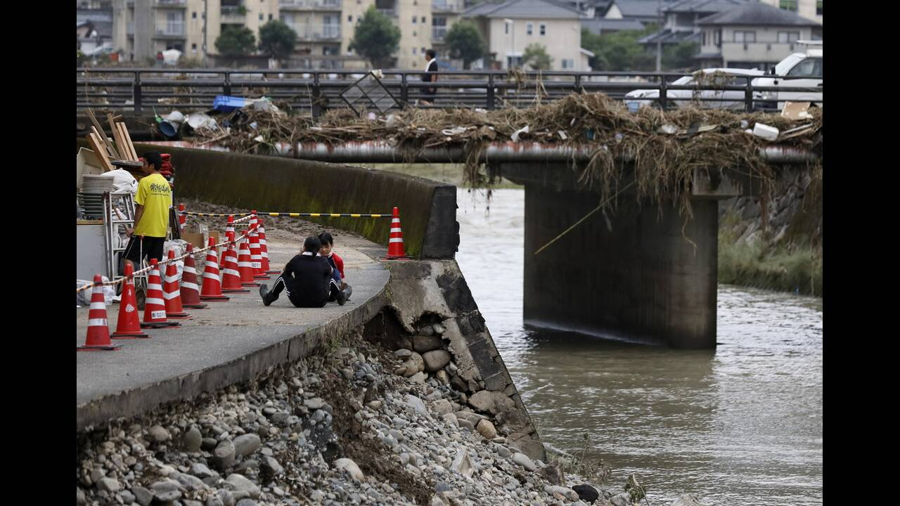 https://cdn.cnngreece.gr/media/news/2020/07/09/226555/photos/snapshot/japan_floods-8.jpg