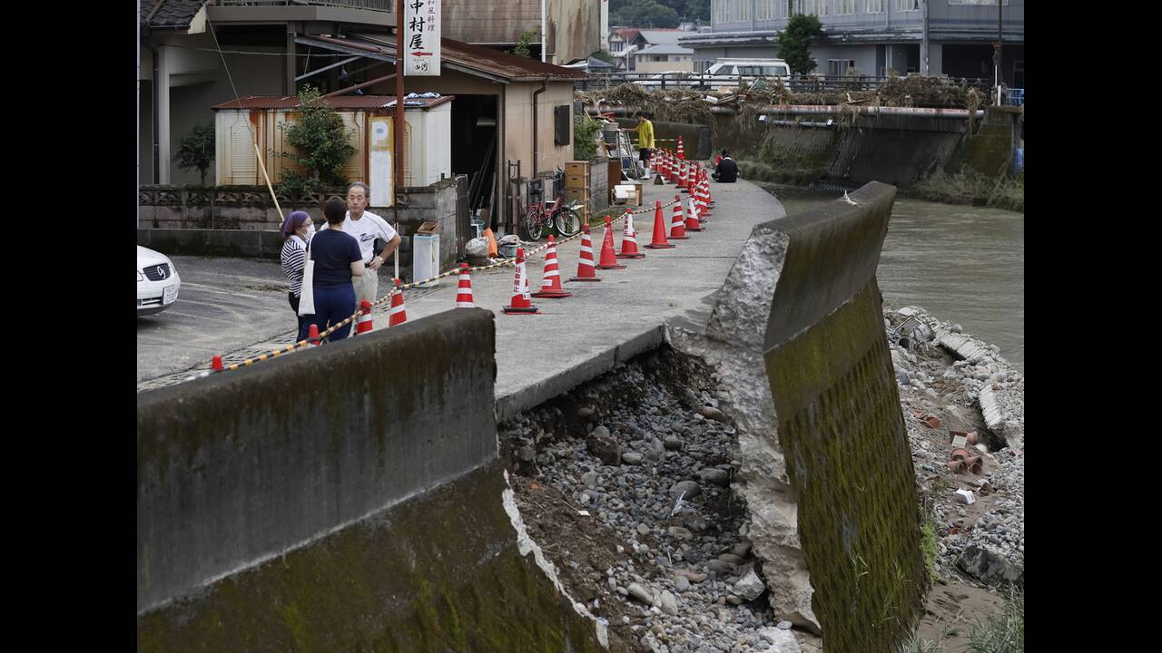 https://cdn.cnngreece.gr/media/news/2020/07/09/226555/photos/snapshot/japan_floods-9.jpg