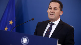 Πέτσας στο CNN Greece: Αν χρειαστεί θα πάρουμε νέα μέτρα στήριξης για τον κορωνοϊό