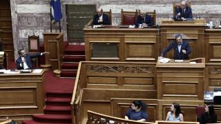 «Μονομαχία» Μητσοτάκη - Τσίπρα στη Βουλή με «φόντο» σκάνδαλα