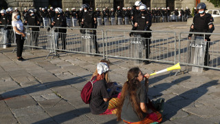 Κορωνοϊός - Σερβία: Απαγόρευση συγκεντρώσεων και κλείσιμο καταστημάτων