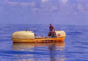 1969, Φλόριντα.  Ο Άγγλος Τζον Φέρφαξ, που έφυγε από τα Κανάρια νησιά τον περασμένο Ιανουάριο και κωπηλάτισε περισσότερα από 3.000 χιλιόμετρα στην άλλη πλευρά του Ατλαντικού, φτάνει στο Μαϊάμι...
