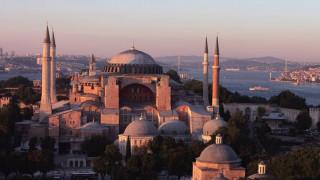Αγία Σοφία: Σήμερα αναμένεται η δικαστική απόφαση για τη μετατροπή σε τζαμί
