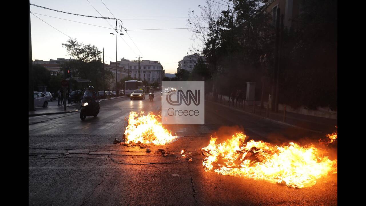 https://cdn.cnngreece.gr/media/news/2020/07/10/226727/photos/snapshot/syntagma-2.jpg