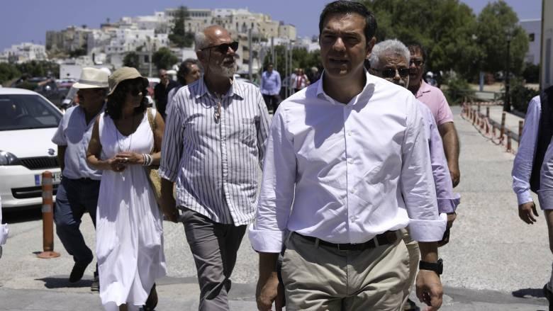 Τσίπρας από Νάξο: Ο τρόπος που αντιμετωπίζει τα πράγματα η κυβέρνηση μεγιστοποιεί την κρίση