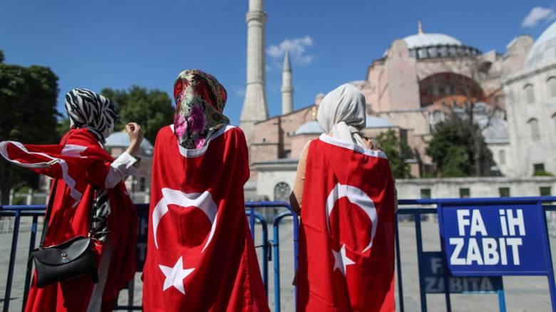 Υπέγραψε το διάταγμα ο Ερντογάν για την μετατροπή της Αγίας Σοφίας σε τζαμί