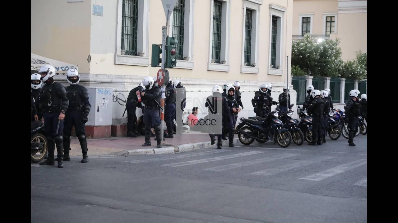 https://cdn.cnngreece.gr/media/news/2020/07/10/226755/photos/snapshot/syntagma-7.jpg
