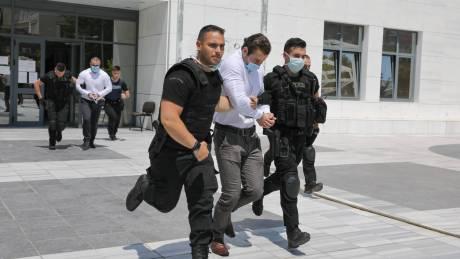 Δολοφονία Μακρή: Ξέσπασε η Βικτώρια Καρύδα στη δίκη κατά των δύο κατηγορουμένων
