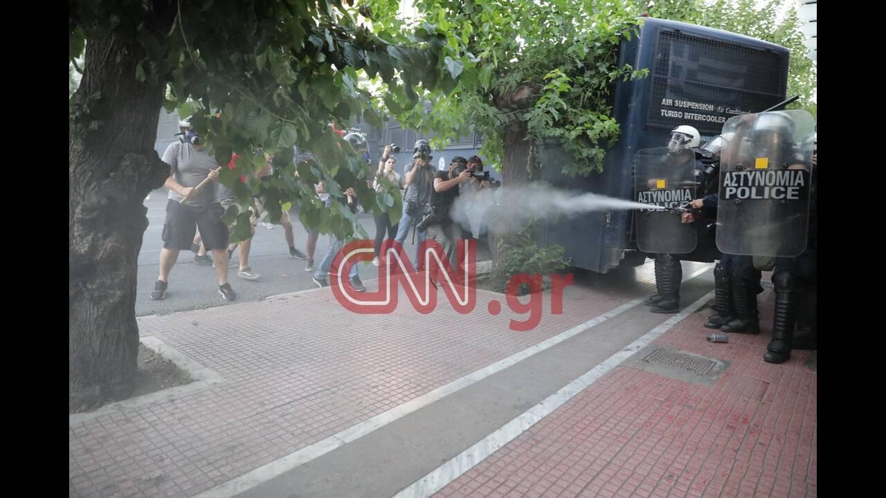https://cdn.cnngreece.gr/media/news/2020/07/10/226774/photos/snapshot/astynomia-dimosiografoi.jpg