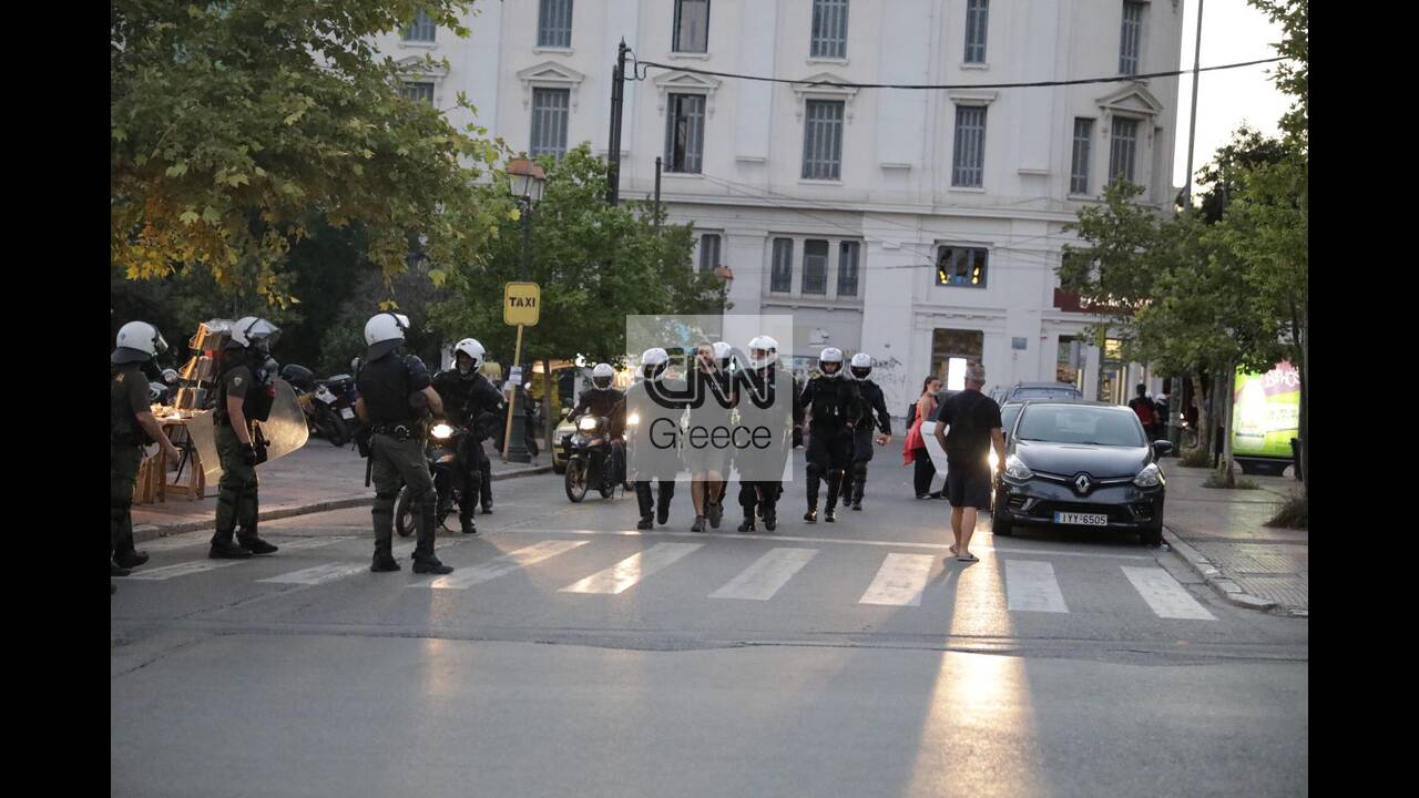 https://cdn.cnngreece.gr/media/news/2020/07/10/226774/photos/snapshot/syntagma-5.jpg