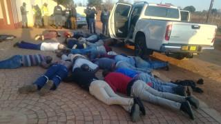 Νότια Αφρική: Πέντε νεκροί σε ομηρία κοντά στο Γιοχάνεσμπουργκ - Δεκάδες συλλήψεις
