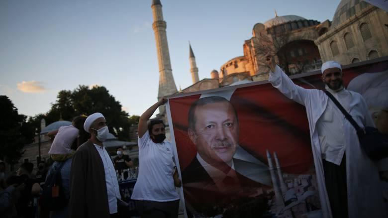 Ο Ερντογάν απορρίπτει τις διεθνείς αντιδράσεις για την Αγία Σοφία: «Είναι δικαίωμά μας»
