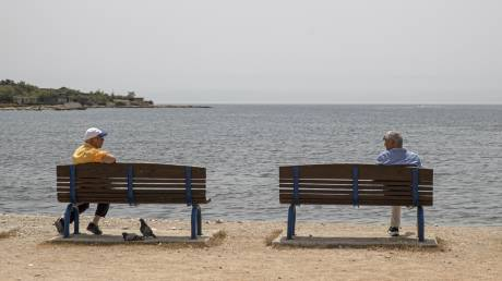 Τα κρούσματα και η αερογενής μετάδοση: Τι λέει ο καθ. Γώγος για τον κορωνοϊό στην Ελλάδα