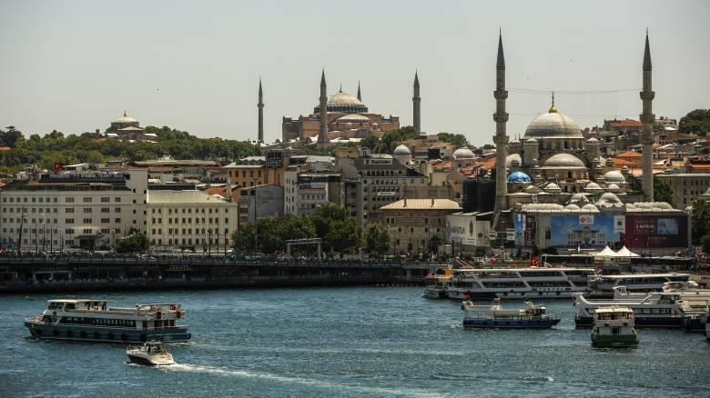 Αγία Σοφία: Η προσπάθεια του Ερντογάν να «ξαναγράψει» την Ιστορία και ο συμβολισμός της 24ης Ιουλίου