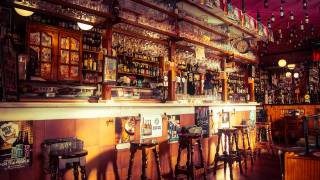 Κορωνοϊός: Στο Μόντρεαλ ζητούν από όσους έχουν πάει σε μπαρ να κάνουν τεστ