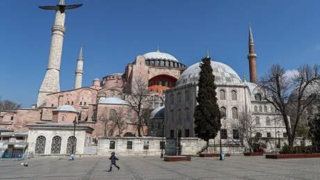 Κόντρα κυβέρνησης – ΣΥΡΙΖΑ με «φόντο» την Αγία Σοφία