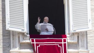 Πώς σχολιάζει ο ιταλικός Τύπος τη λιτή αναφορά του Πάπα Φραγκίσκου στην Αγία Σοφία