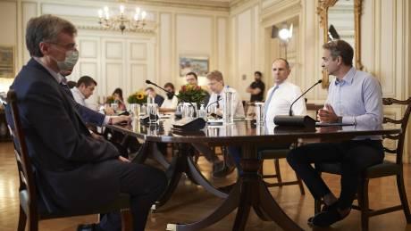 Κορωνοϊός: Σύσκεψη στο Μαξίμου τη Δευτέρα υπό τον Μητσοτάκη - Παρών ο Τσιόδρας