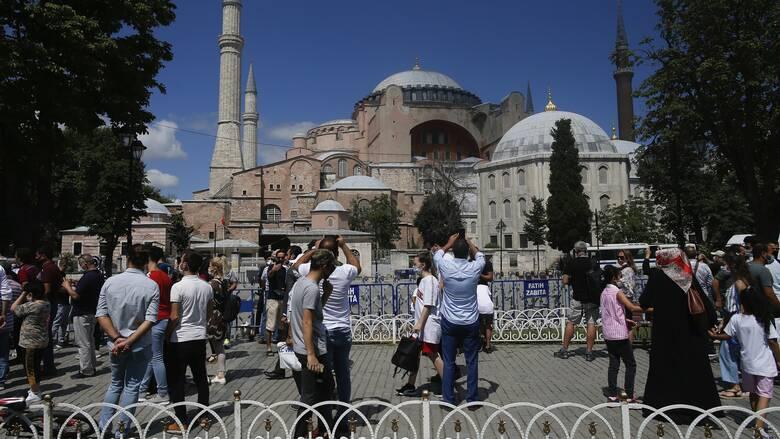 Η Αγία Σοφία στο επίκεντρο: Κυρώσεις κατά της Τουρκίας ζητά η κυβέρνηση από την Ε.Ε.