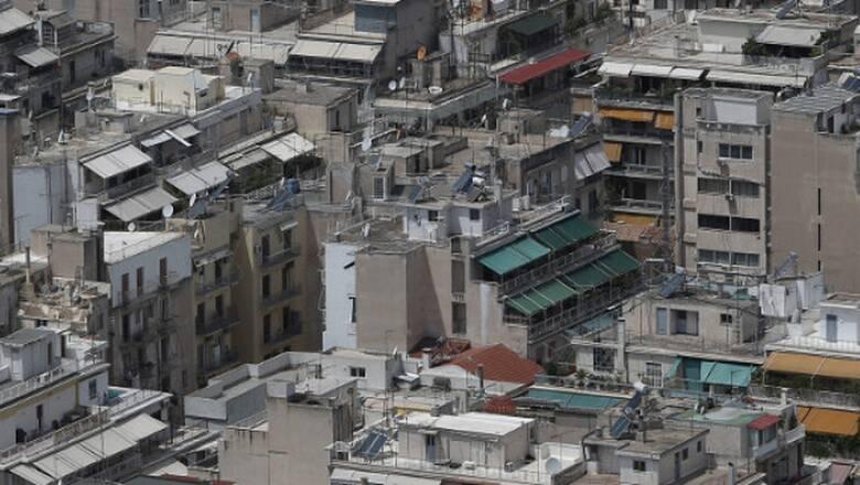 Μόλις 973 οικοδομικές άδειες εκδόθηκαν τον Απρίλιο