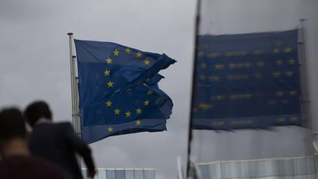 Εγκρίθηκαν μέτρα στήριξης για την Ελλάδα 1,14 δισ. ευρώ - Θα επωφεληθούν 90.000 επιχειρήσεις