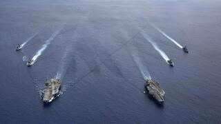 «Μετωπική» στη Νότια Σινική Θάλασσα - ΗΠΑ: Παράνομη η «θαλάσσια αυτοκρατορία» της Κίνας