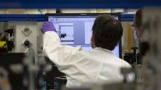 Κορωνοϊός: Πριν το τέλος του καλοκαιριού το αμερικανικό εμβόλιο