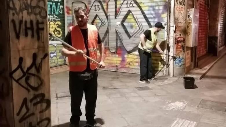 Δήμος Αθηναίων: Μεγάλη αντιγκράφιτι παρέμβαση σε όλη την οδό Αθηνάς