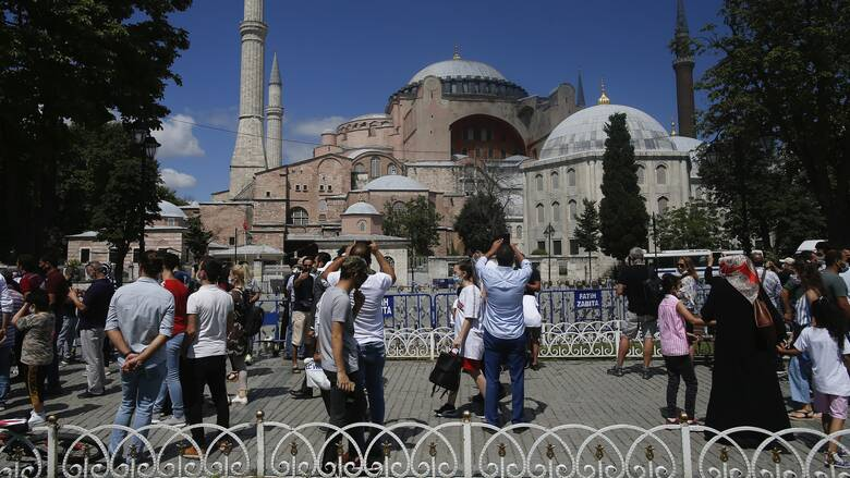 Πρωτόκολλο διατήρησης της Αγίας Σοφίας σε μνημείο της UNESCO υπέγραψαν μεταξύ τους οι Τούρκοι