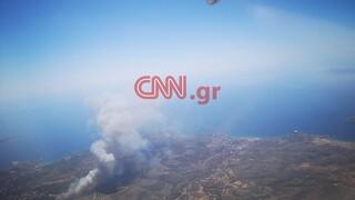 Φωτιά στο Λαύριο: Συγκλονιστικές εικόνες από ψηλά