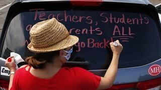 Κορωνοϊός: Τα σχολεία στις ΗΠΑ ξανανοίγουν και οι καθηγητές ετοιμάζουν… διαθήκες