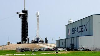 Πότε αναμένεται να επιστρέψει στη Γη η επανδρωμένη κάψουλα της SpaceX