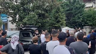 Τρίκαλα: Σε κλίμα οδύνης τελέστηκε η κηδεία της 16χρονης - Συνεχίζονται οι έρευνες