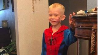Οι Αμερικάνοι σούπερ ήρωες χαιρετίζουν τη γενναιότητα ενός εξάχρονου αγοριού (vids)